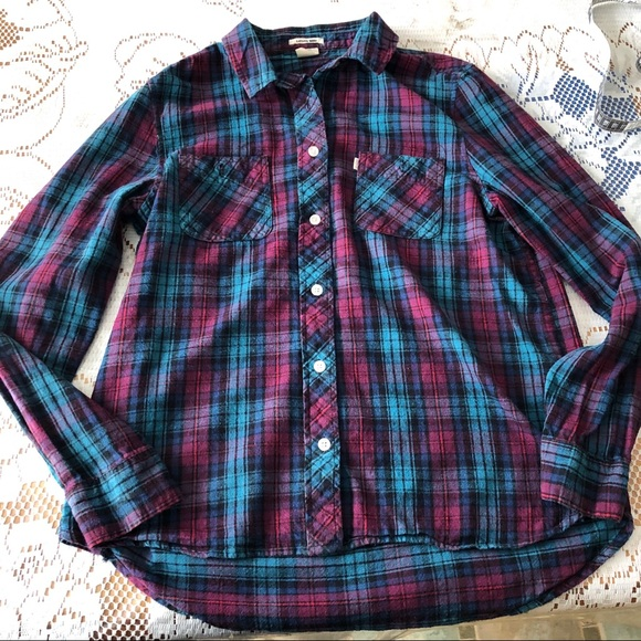 Levi's Tops - LEVI'S Flannel Double Pocket Button Up